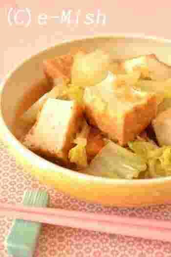 白菜と厚揚げのコンビをシンプルに楽しむレシピ。ショウガがたっぷり入っているので、寒い季節には特におすすめです。