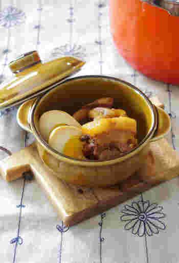 トロトロの豚肉が美味しい角煮。こちらも大人気のおかずですよね。普通は豚肉を柔らかく煮るのに時間がかかりますが、圧力鍋なら時短で調理可能。角煮の美味しい出汁が染み込んだ卵も◎な一品です。