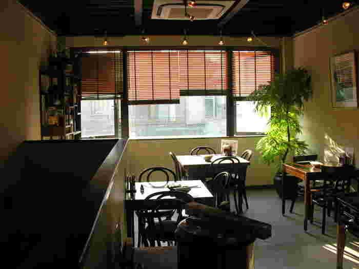 どこか懐かしさも感じる個性的なカフェ。そこには店主のこだわりや思いやりが詰まったお食事やドリンク、空間が用意されています。
