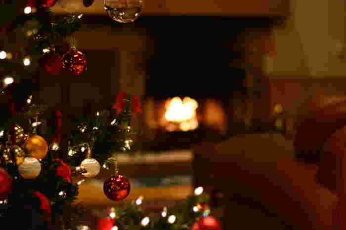ヨーロッパなど海外の国々では、クリスマスに向けて家族で少しずつ準備を進め、そのプロセスを楽しみます。今年はどんなクリスマスにしようかとイメージを膨らませ、材料を集め、ていねいに作る…。そんな時間は、とても豊かで幸せに満ちています。  ハンドメイドサイトの作家さんの素敵な作品などを参考にしながら、今年はオリジナルオーナメントを手作りしてみませんか?