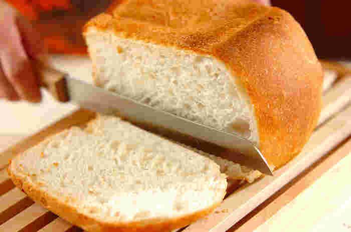 ふんわりと柔らかい食パンで、天然酵母のうまみを堪能してみて。酵母種によって風味が異なるのも、手作り天然酵母パンの楽しみです。