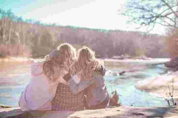 40代では時間というものがますます貴重になってきます。価値観が違う人やあまり好きではない人と無理してまで付き合っていく時間とお金はとても勿体ないもの。そこでまず人間関係を見直して、少しでも一緒にいて楽しいと思える人とだけ付き合うように心がけていくと、毎日がより輝いてくるでしょう。