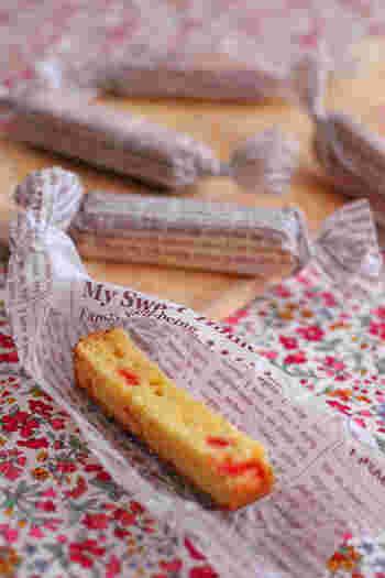 大きく焼いて切り分けるスティックケーキは、一度にたくさん作れて見た目にもキュート♪おもてなしやパーティーでも喜ばれますよ。