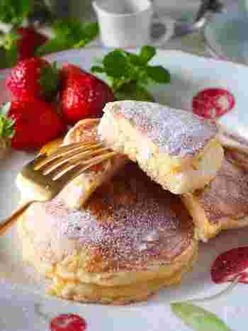 世界一の朝食レストラン「ビルズ」風のリコッタパンケーキです。ふわふわの食感と口どけを楽しめます。