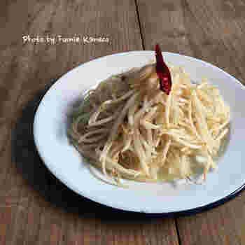 シャキシャキとした歯ごたえが嬉しい、もやしのペペロンチーノ。ダイエットメニューとしても最適のレシピです。