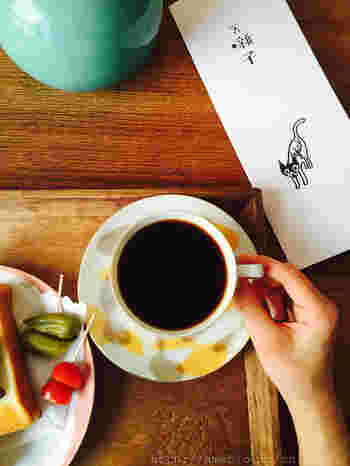 下北沢にはこのように、味も個性も様々なカフェがたくさんあります。ショッピングやアートなどを楽しんで、少し疲れたら美味しいコーヒーを飲みながらゆったりとした、時間を過ごしてみてくださいね。