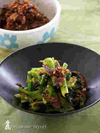 ふりかけにプラスαで使える「ナムルの素」。塩茹でした青菜や野菜に和えるだけで和風ナムルに変身。お野菜がもりもり食べられそうですね。もちろんご飯にかけてふりかけとしても◎