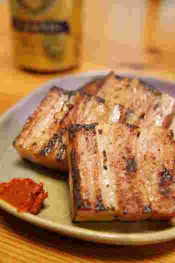湯豆腐にオススメしたいものの中でイチオシなのが「かんずり」です。新潟県妙高で作られるこの辛味調味料。作り方がちょっとおもしろいんです。
