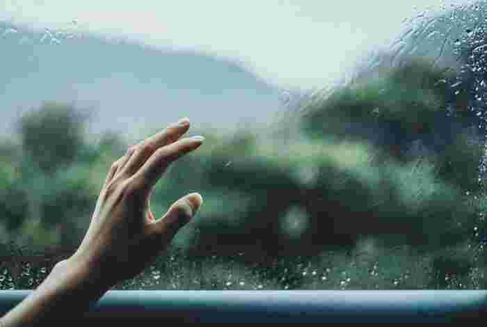「捨てられない」ジレンマから抜け出そう!人生を軽やかにする《捨て方レッスン》
