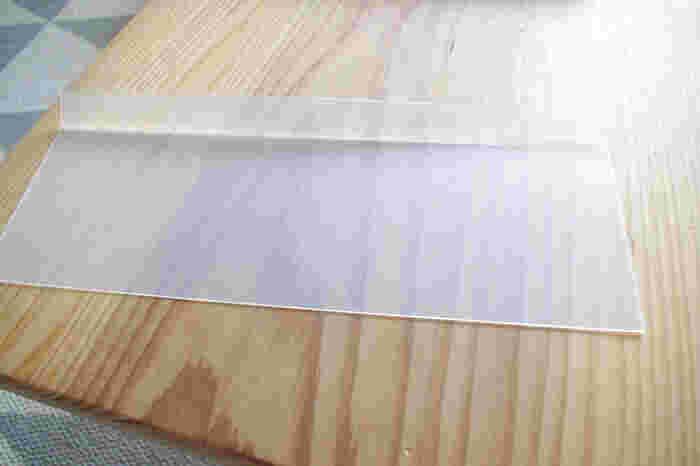 折り目を付けることで、箱のように組み立てたり、引き出しの仕切りとして使ったりと、使い方はたくさん!