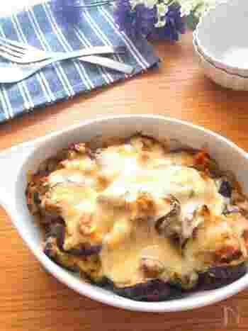 サバ味噌煮缶を使ったレシピ。マヨネーズ&チーズでグラタン風に。カレー粉をプラスしてサバの臭みを消すのがポイント。