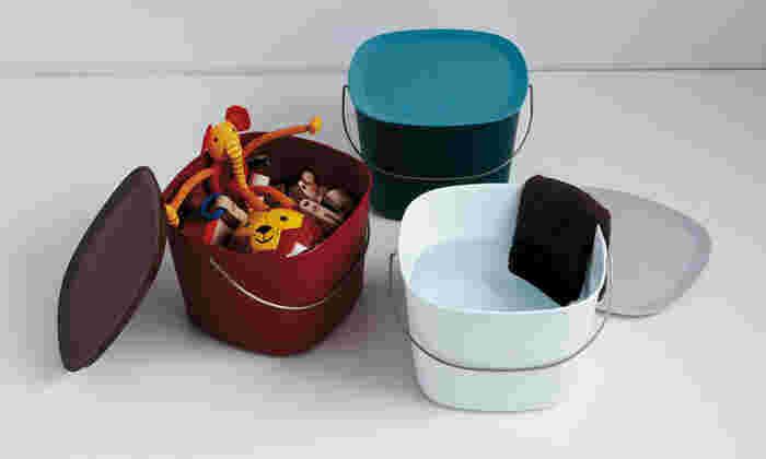 「tidy」は、そのままぽんと置いても可愛い、お掃除道具やエントランスアイテムを手掛けています。ポップな色使いとデザインの遊び心を忘れないアイテムは、生活をより楽しく心地よいものに変えてくれそう。