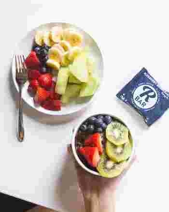 ビタミンは肌の生成にとても重要な栄養素です。特にビタミンA、ビタミンC、ビタミンEは抗酸化作用で肌の老化を防ぐ働きがあります。肌の新陳代謝が活発になり、ターンオーバーを促進すると言われているので、日焼けした後には積極的に摂取したい栄養素です。