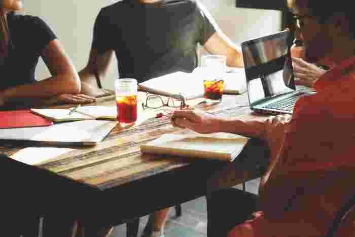 複数人で勉強すると、「みんながかんばっているから自分もがんばろう!」と集中して取り組むことができます。励ましあえる仲間を見つけて、一緒に成長していきましょう。