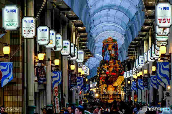 一年を通して楽しめる福岡の旅行。 特に5月の博多どんたくや、7月に開かれる伝統の祭り・博多祇園山笠が有名ですよね。桜や紅葉の名所も多いので、春や秋の既設に訪れるのもおすすめです。