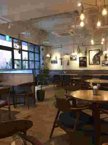 とってもおしゃれでNYのカフェのような内装はとってもおしゃれ。横浜駅から近いのも嬉しいですよね。