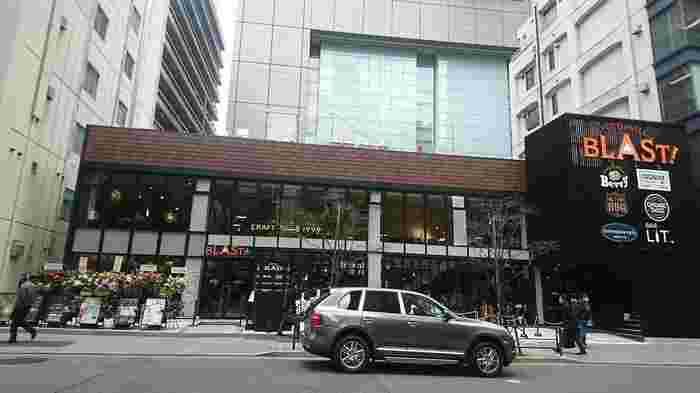 2019年2月にオープンしたアメリカンフードホール「FOOD HALL BLAST!TOKYO」内にあるのが、「PIZZA CUCINOVA(ピッツァ クチノバ)」です。東京初上陸のカスタムピッツァ店として注目を集めています。