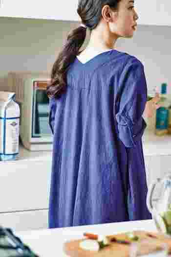 着たいのは、夏色ブルー。大人の女性を彩る「青」のコーディネート