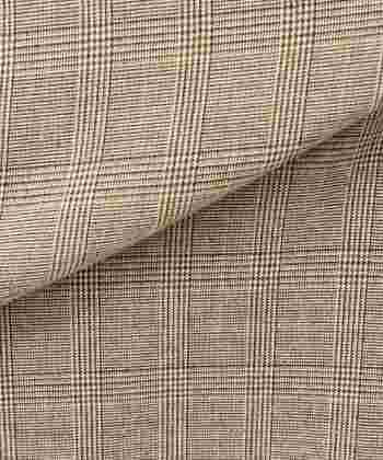 シャープかつクールなブラック~グレー系と比較すると、ブラウン~ベージュ系グレンチェックは、どこかノスタルジックで優しげな表情を見せてくれます。