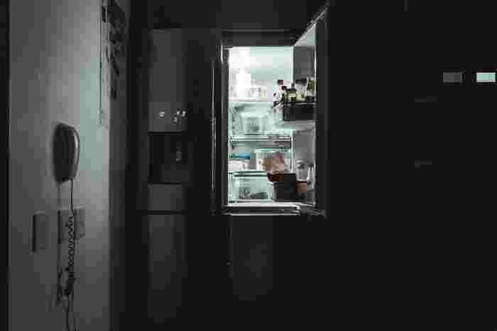 週の終わりに、冷蔵庫や戸棚に入っている食材をチェックしてみましょう。まずは残った食材を優先的に使うレシピを考えて。新たに食材を買ってダブってしまい、結局無駄にしてしまうということを防ぐことができます。