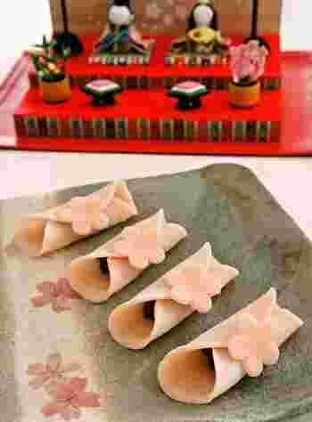 フライパンで簡単にできてしまう桜餅!市販のあんこを使えば、生地を焼くだけのお手軽スイーツです。