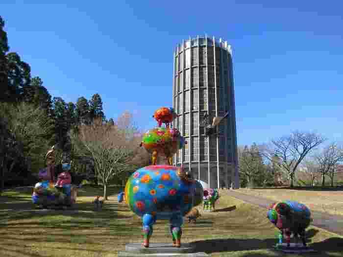 自然を散策しながら作品を鑑賞できる日本でも数少ない野外美術館のひとつ。