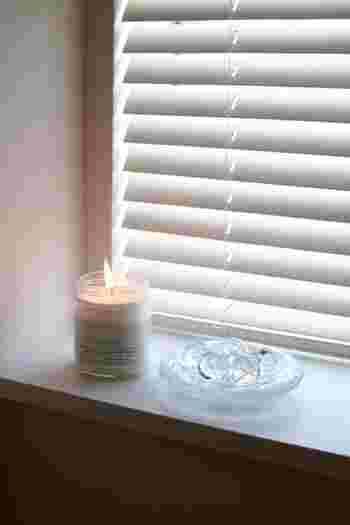 空気の清浄効果がある「ソイキャンドル」はトイレやお風呂などの狭いスペースにもぴったり。 「ユーカリ」や「ラベンダー」などの殺菌作用があるとされる香りをどうぞ。  掃除をした後の数分間、灯して爽やかな空気を楽しみましょう。