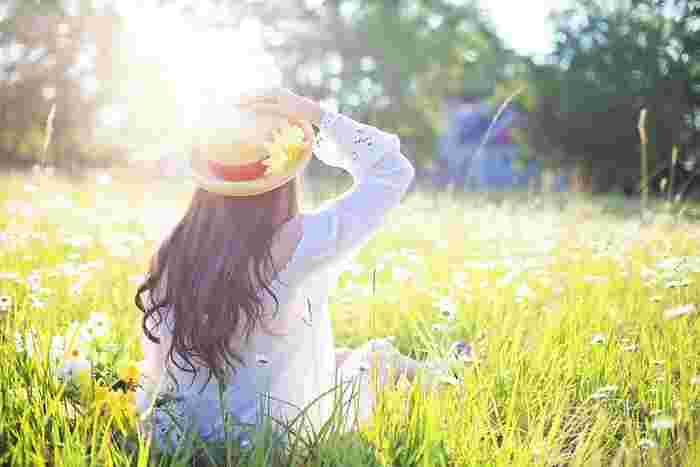 ほんのちいさなことでも習慣化することで、少しずつステップアップしていくことができます。長く続いていく人生ですが、今、この瞬間はたった一度の瞬間です。その一瞬を意識的に生きることで、わたしたちは誰でも美人になれるチャンスがあるのです。今回、ご紹介したちいさな習慣で気になったものがあったら、ぜひ、心に留めて、素敵な美人を目指してみてくださいね♪