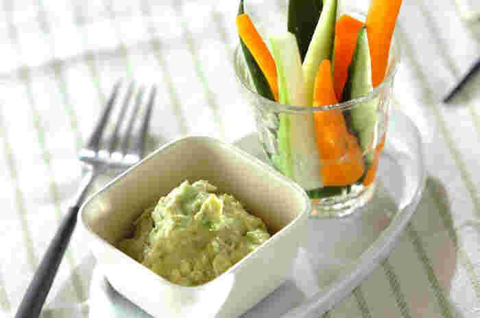 濃厚ディップと野菜たち。それぞれの味わいを確かめたくなります。