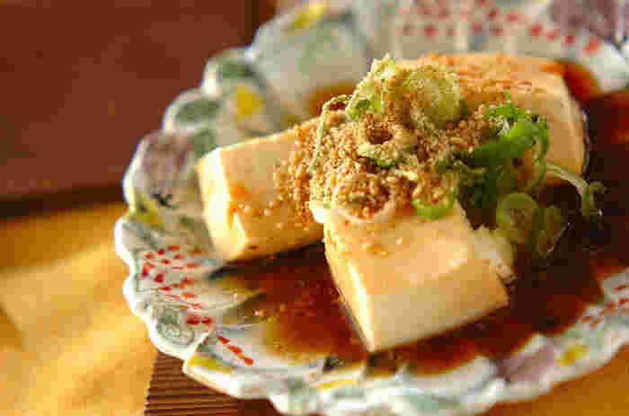 レンジでできる簡単レシピ。ピリ辛の中華風のたれが食欲をそそります。食べるなら、熱々のうちに。お酒のおつまみにもピッタリです。