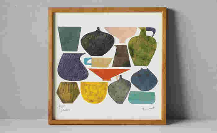 陶芸作家・伊藤利江による水彩画シリーズ。たくさんの色が使われているのに、まとまりを感じるのはトーンがおさえられているから。器好きの方なら、キッチンやダイニングに置いて、テーブルコーディネートとリンクさせるのもおもしろいかもしれません。