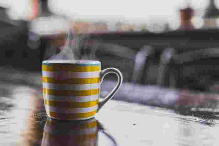 朝晩が冷えるようになると温かい飲み物がおいしく感じられますよね。だんだん長くなる秋の夜は、ハーブティーで心をほっとさせましょう。