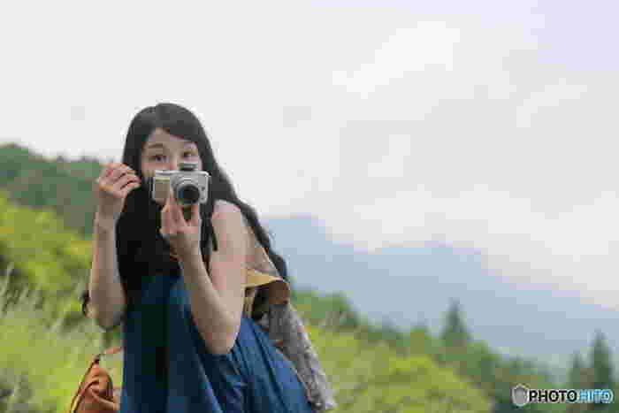 宮崎あおいさんのCMで知られているオリンパスからは、可愛くも高性能なカメラが作られています。 もちろん、多重露光写真も撮れます。