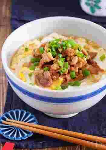 うどんは胃腸にやさしい代表メニュー。卵とお肉で、タンパク質もしっかり摂りましょう。あんかけなので、冷めにくくからだもポカポカ温まりますよ。
