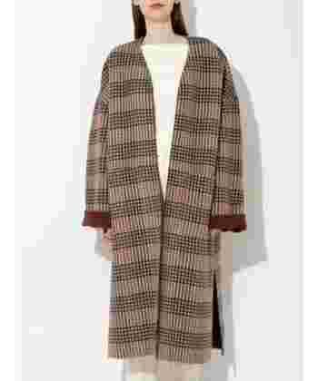 トラッドなチェック柄コートも各ブランドから登場しています。一枚で主役級ですが、リバーシブルタイプなら表を無地にして袖口を折り返したり、その日の気分によってさり気なくも着まわせます。