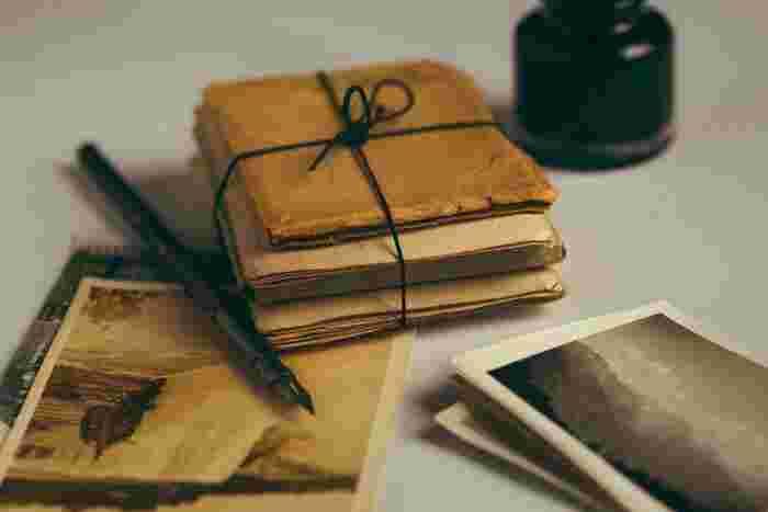 いただいた手紙や、誕生日カードなど、毎年毎年増えていく一方。嬉しいお手紙や思い出深いものは、ずっと大切にとっておきたいですよね。でもそれが一生重なると、莫大な量になってしまいます。