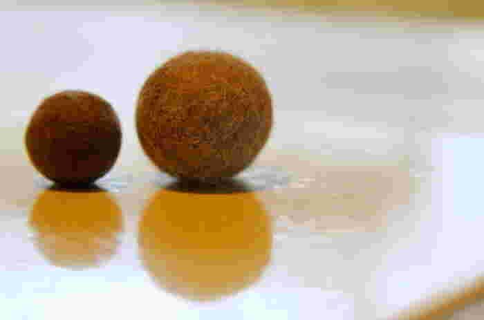 モフモフの抜け毛を再利用!くるくる可愛い毛玉ボールを手作りしてみませんか?とっても簡単な3ステップで出来ちゃいます。是非チャレンジしてみてくださいね。