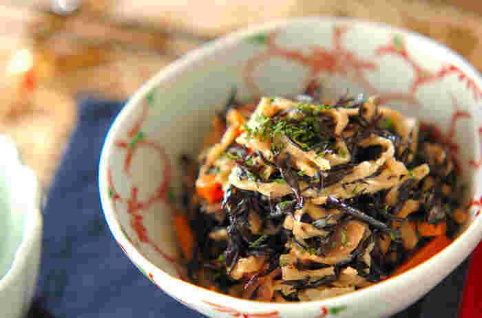 ミネラル、カルシウムたっぷりなヒジキと切り干し大根の見事なハーモニーを堪能できる「芽ひじきと切り干し大根のサラダ」はどんなお料理にも合い栄養価も高いのでお気に入りのレシピにしておくと◎。