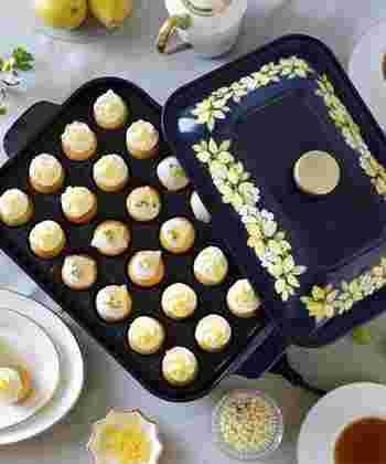 さらに見た目にもこだわりたい方は、食器のような美しいデザインのプリントシリーズがおすすめ。食卓をより華やかに演出してくれます。可愛らしいデザインは、たこ焼き以外に、ホットケーキミックスなどから作る、スイーツパーティーにも使えそう。