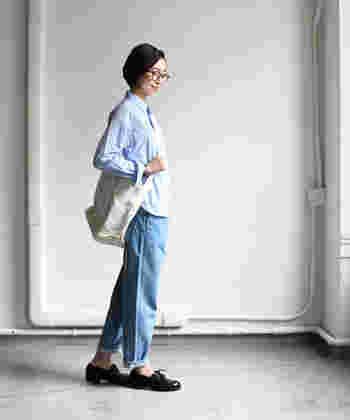 マニッシュやボーイッシュなど、クールな雰囲気に仕上げたいときは、スタンダードカラーやボタンダウンカラーなど、シャープな印象の襟がおすすめです。