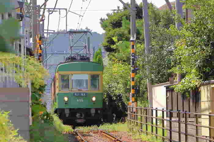 「海街diary」では、この極楽寺駅の周辺を舞台に、様々なシーンが撮られています。