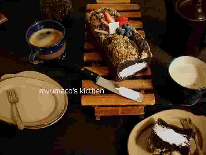 ちょっぴり大人味のビターなチョコ生シフォンケーキ。中は生クリームであっさりと。こっくり上品な美味しさです。