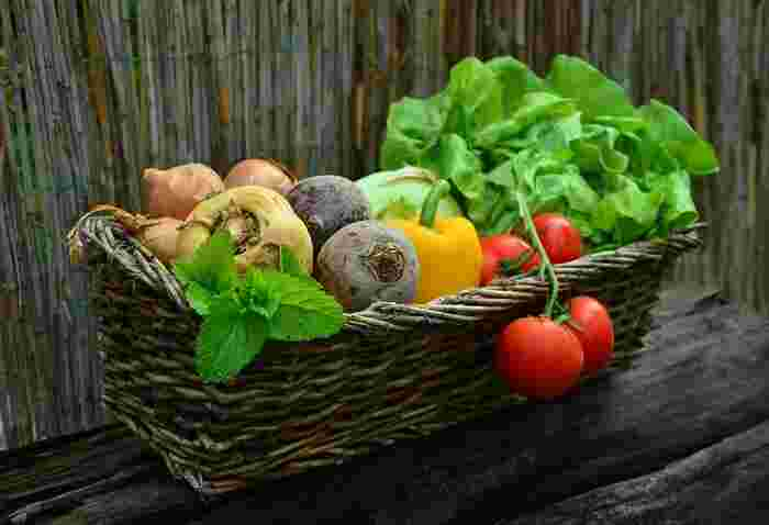 しかし京野菜のように、九条ネギ、加賀なす、みず菜などといった特定の品種があるわけではなく、鎌倉近郊で栽培・収穫され、仲卸や市場で販売せず、直売所で販売される野菜のことを「鎌倉野菜」と呼んでいます。