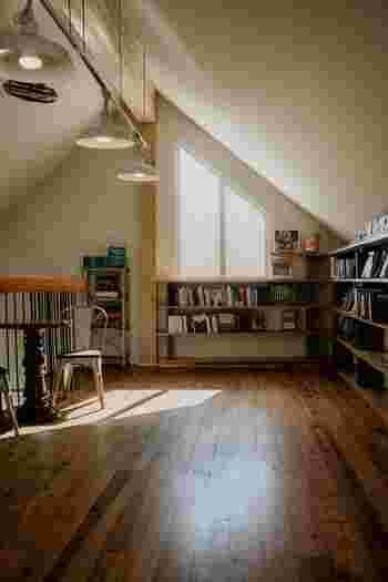 家具や家電を買い替えたいとき、収納方法をやり直したいとき、ラグやカーテンを新しくしたいとき……。そんなとき大切なのが、住まいの寸法です。部屋の広さは大体分かっていても、窓の高さや通路の幅、収納の奥行きなどは把握していませんよね。一度測って記録しておけば、何度も調べ直す必要もなく、お買い物もスムーズに楽しめます。