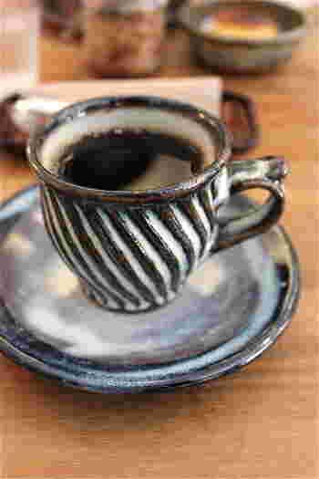 丁寧にドリップされた珈琲は、すっきりとした味わいで、飲みやすいのが特徴です。