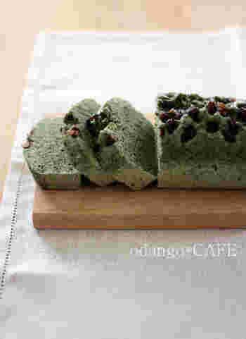 春の香りがいっぱいの和風蒸しパウンドケーキ。よもぎの香りがふんわり優しく広がります。乾燥よもぎや米粉を使って簡単にできますので、ぜひお試しを。