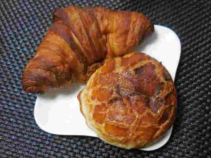 美味しいパンは、ついつい買いすぎてしまいますが、おうちに帰ってパンを取り出し、食べる時のワクワク感は小さな幸せのひとときですよね。