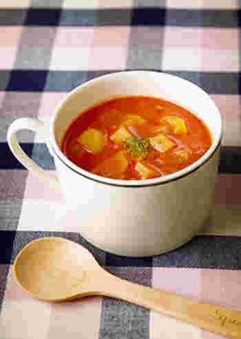 いつものスープに生姜をプラスすれば、それだけでぽかぽかレシピに。ミネストローネなら、野菜とトマト缶があればすぐ作れます。生姜はみじん切りにしてたっぷり入れましょう。