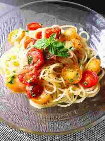 カッペリーニによく合うトマトとバジルを使った冷製パスタ。香りのいい塩レモンを入れてのサッパリと召し上がれ♪