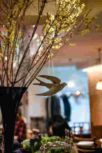 今回は、いつも優しい光に溢れ、大地に根付いた自然を感じることができる素敵な自然派レストラン「麹町カフェ」と自社パン工場をはじめとする、麹町カフェの素敵なグループ店舗をご紹介したいと思います。